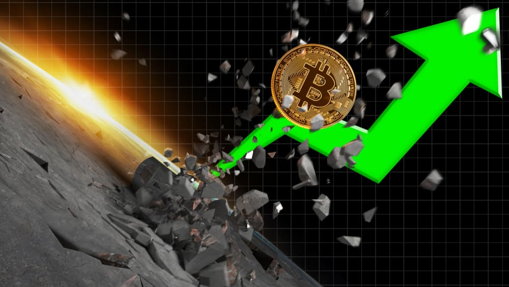 Bitcoin vient d'établir un nouveau record à 67.000 $, tout comme Ethereum à 4.240 $. Depuis, les cryptos reprennent leur souffle.